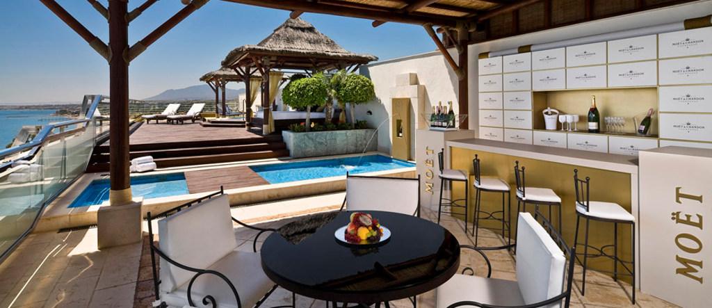 Moet&Chandon Suite's terrace