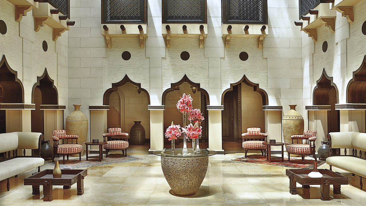 Ritz carlton sharq village spa luxury hotel qatar for Hotel foyer decor