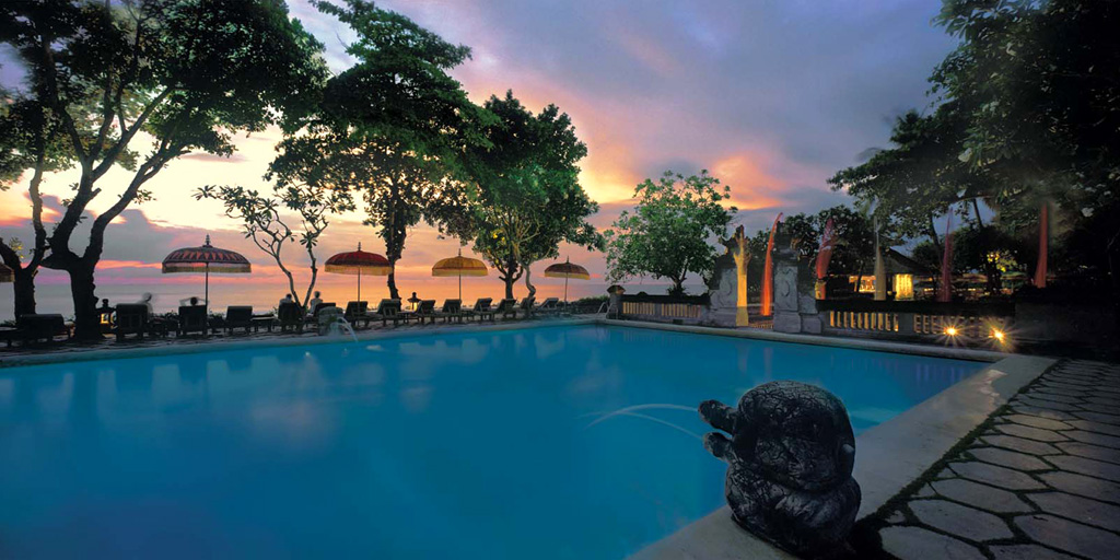 The-Oberoi-Bali-pool
