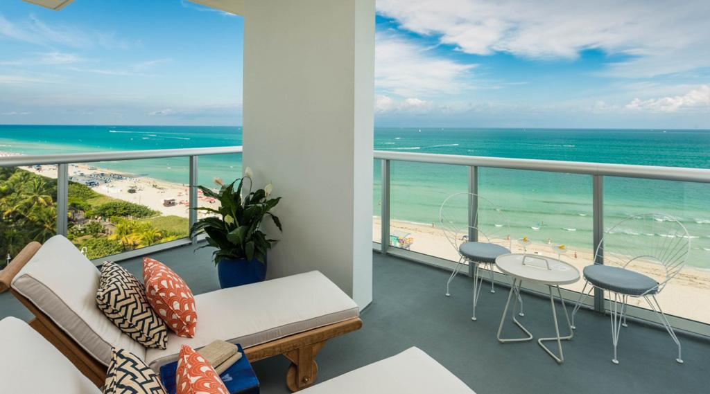 Thompson-miami-beach-balcony