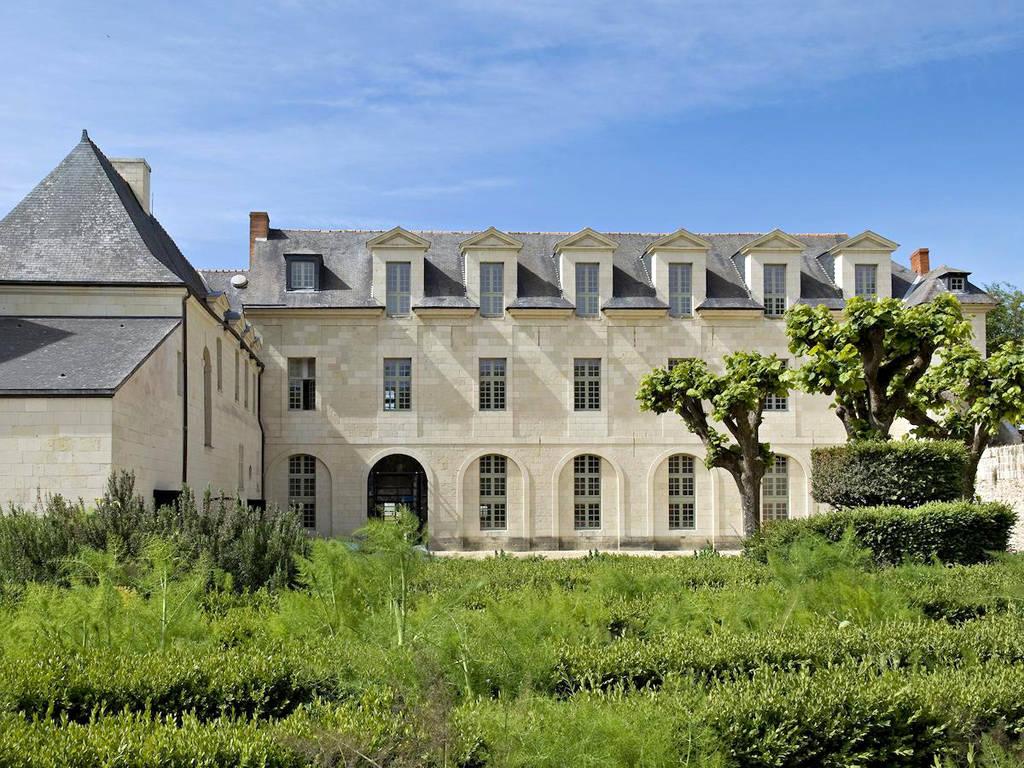 fontevraud-hotel-france-front
