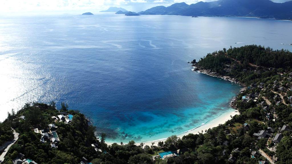 four-seasons-seychelles-view