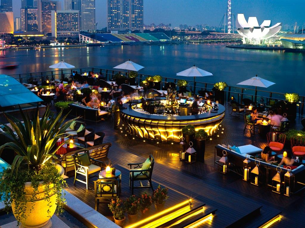lantern rooftop bar singapore