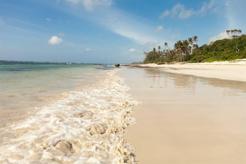 saruni-ocean-kenya-beach-1