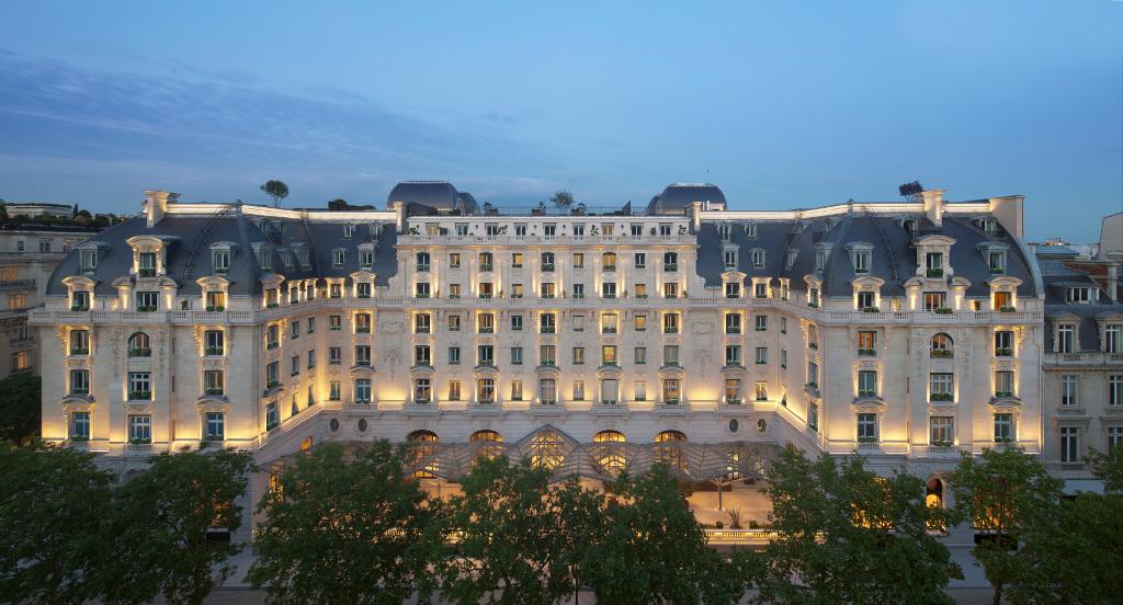 the peninsula paris best new hotel 2014. Black Bedroom Furniture Sets. Home Design Ideas