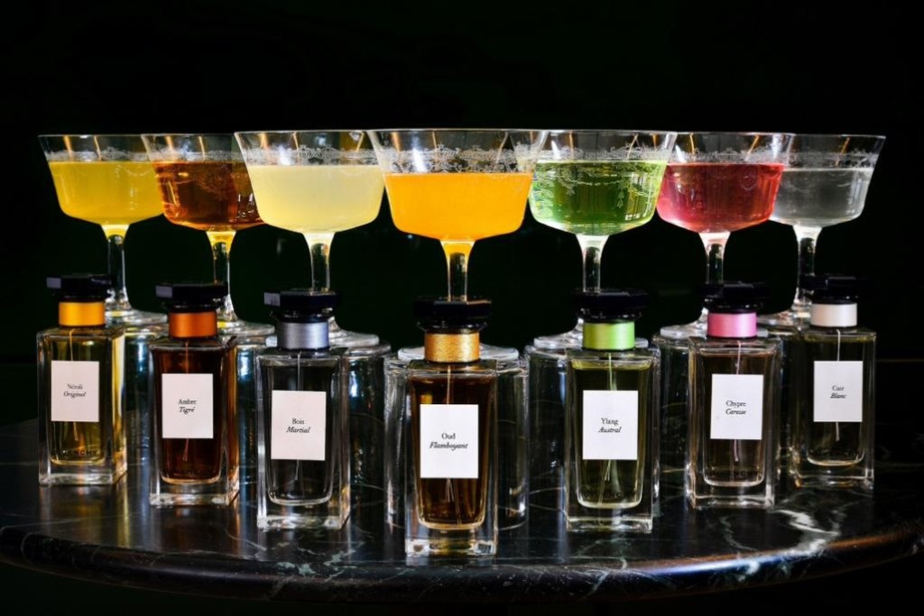Givenchy perfume cocktails to debute at cafe royal hotel for Hotel food bar atelier 84