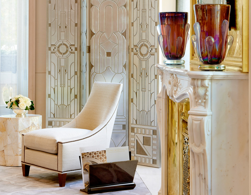 Peninsula Suite - Living Room Detail