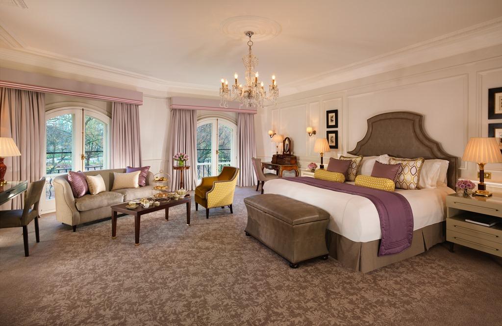 Presidential suite bedroom 220