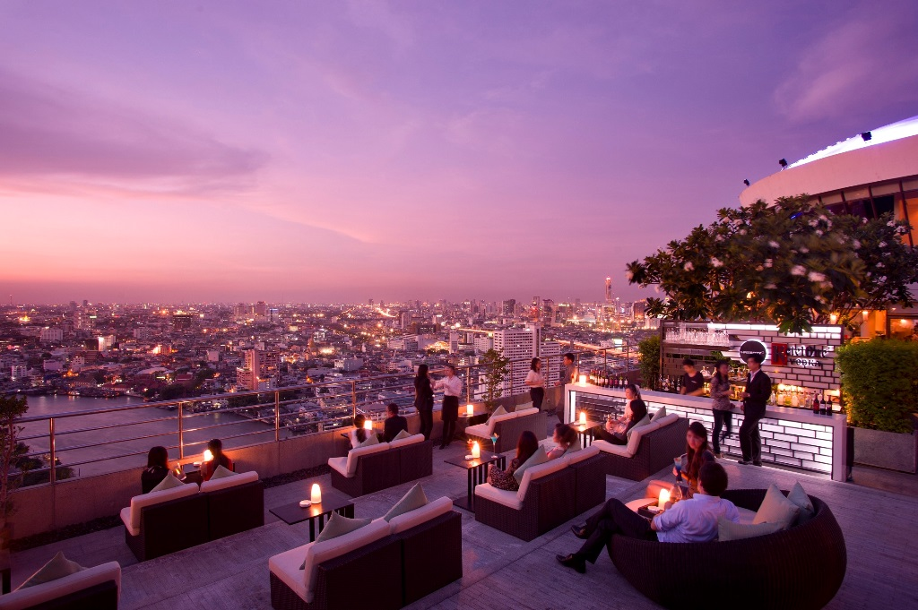ThreeSixty Outdoor Lounge - Millennium HIlton1