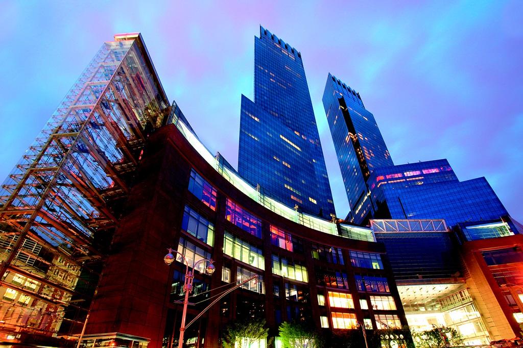 new-york-extterior-time-warner-center-at-night