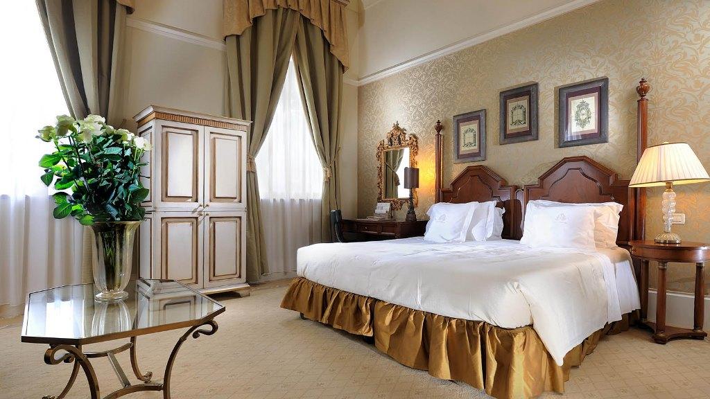 the_st_regis_venice_san_clemente_palace_deluxe_junior_suite_1