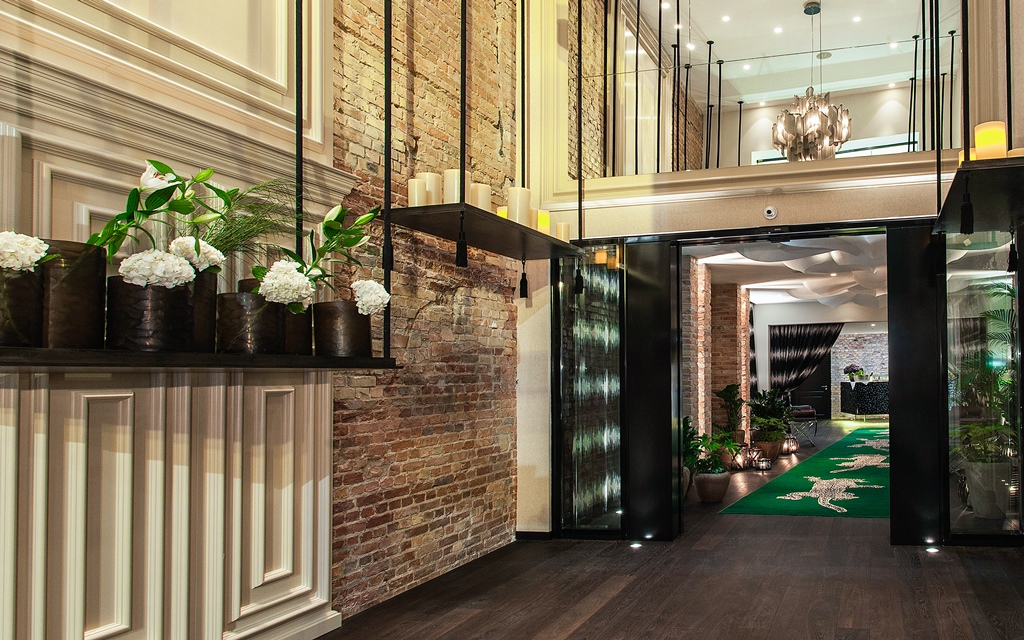 Foyer Entry Zoo : Restaurant grace opens at hotel zoo berlin