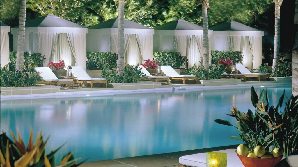 Four-Seasons-Miami-Pool3