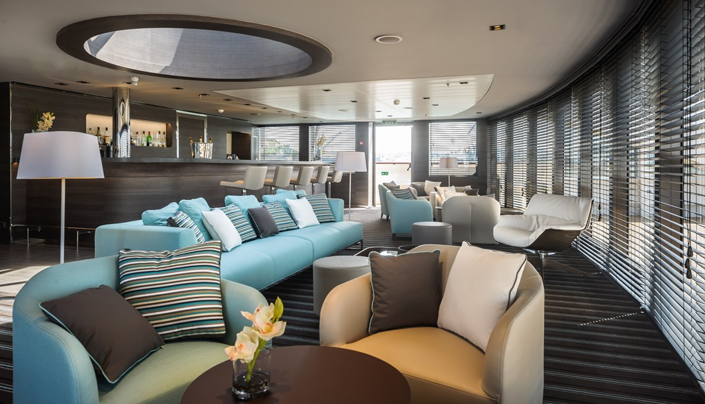 Le Soléal cruise ship; Deck 6 - Panoramic Lounge and Terrace with Bar and Library