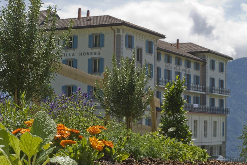 villa honegg is a mountain wonderland. Black Bedroom Furniture Sets. Home Design Ideas