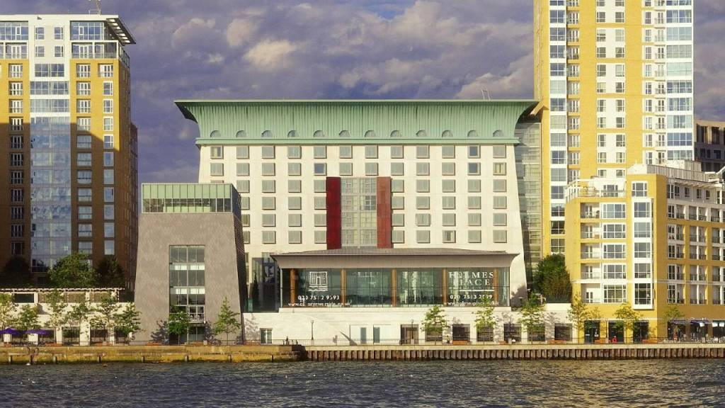 FOUR SEASONS HOTEL CANARY WHARF