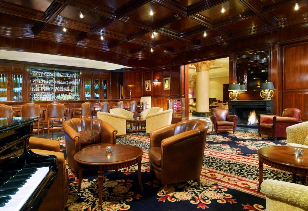 The Ritz-Carlton Berlin_Curtain Club1