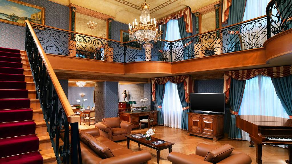 The_Westin_Palace_Milan_Hotel_Suite_Presidential_Living_Room_3