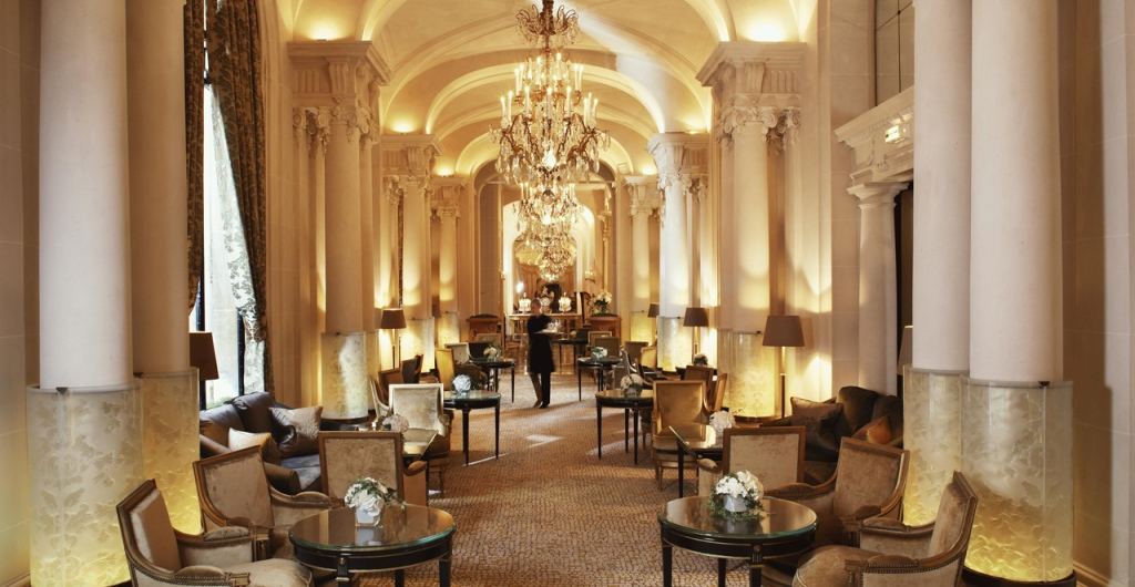 au-plaza-athenee-lodge