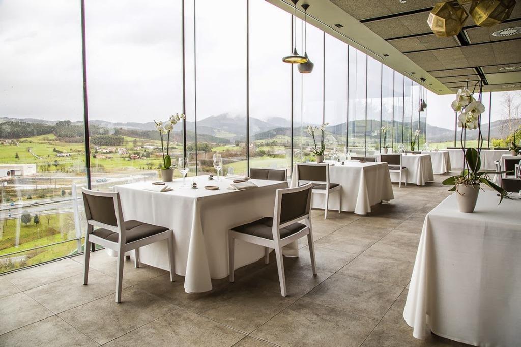 azurmendi restaurant spain