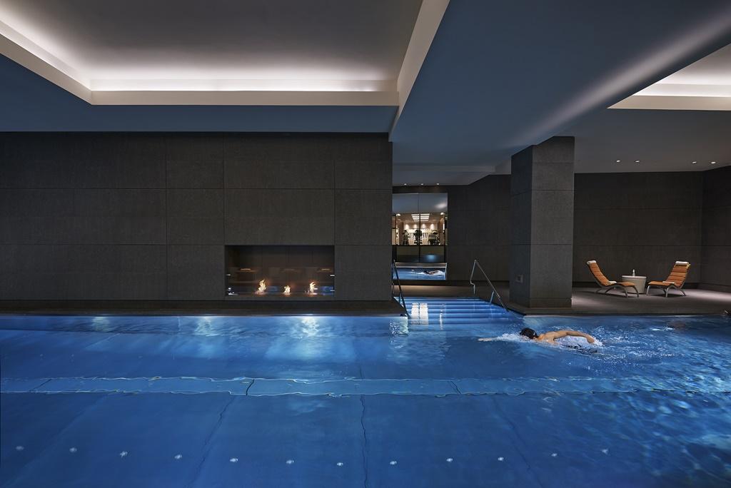 london-2014-luxury-spa-pool-01