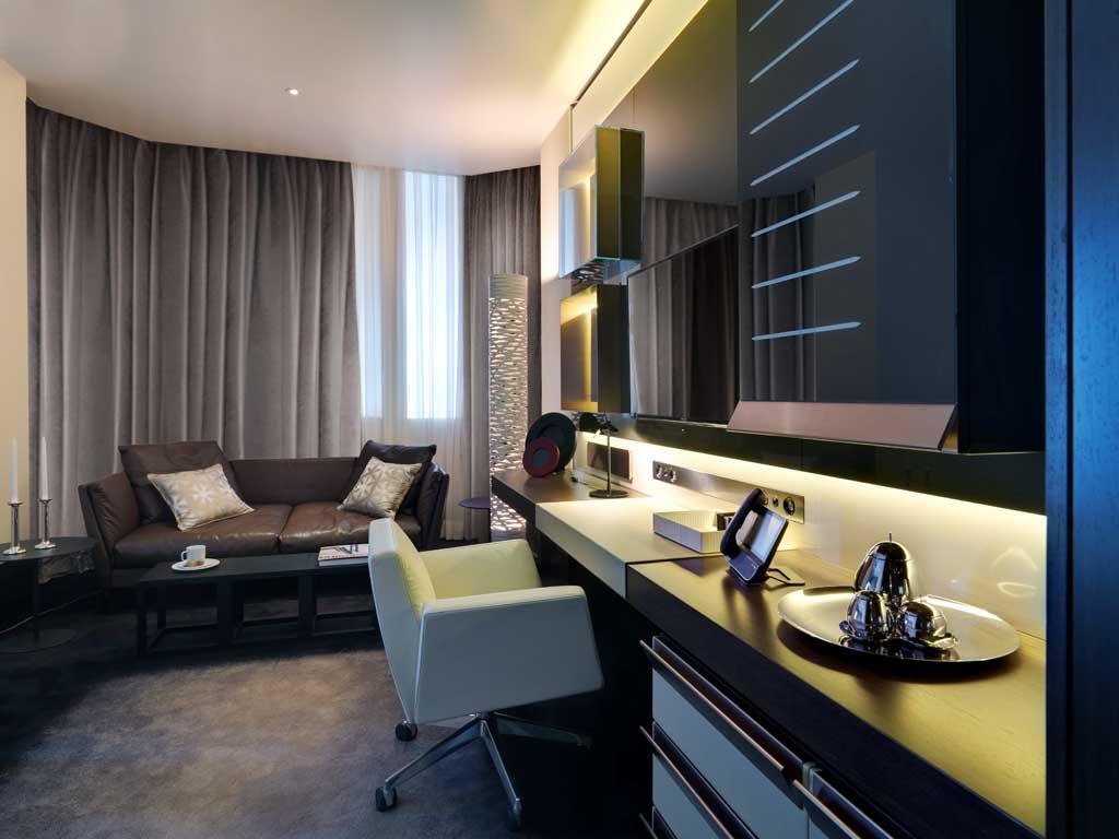 Hotel-Excelsior-Gallia-model-room-3