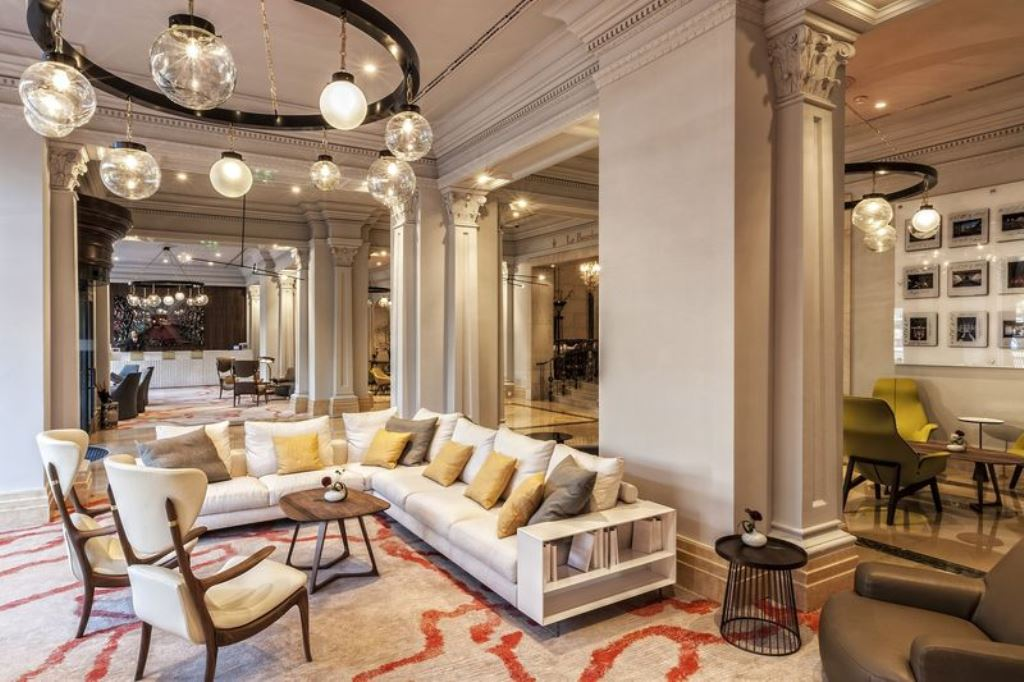 The ritz carlton hotel to open in budapest in 2016 for Luxury hotel company