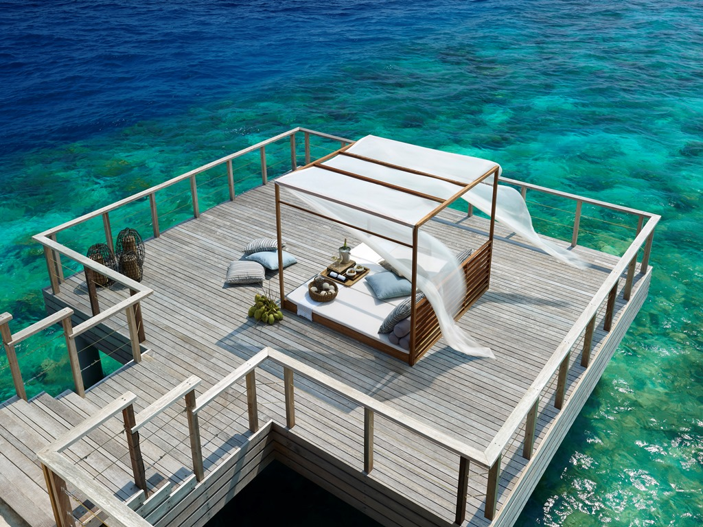 Benjarong_Private_dining_deck_photoLarge