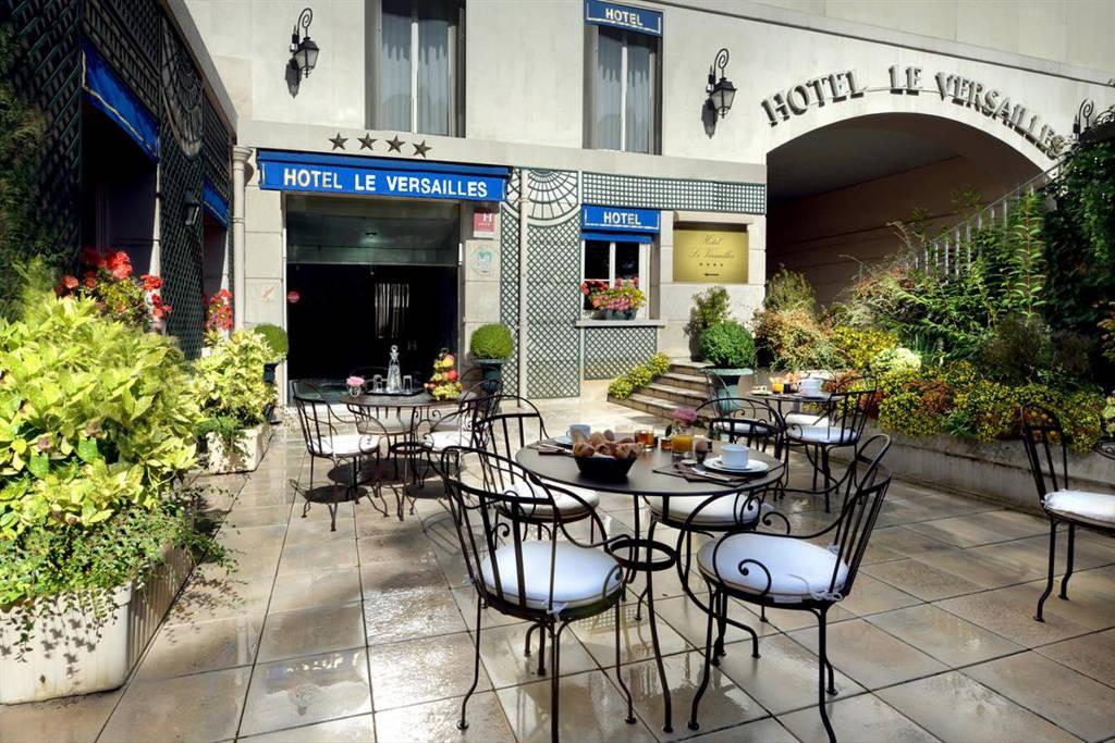 Hotel-Le-Versailles-4