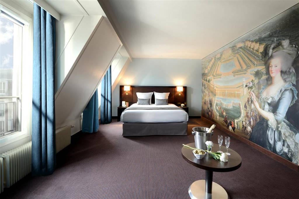 Hotel-Le-Versailles-5