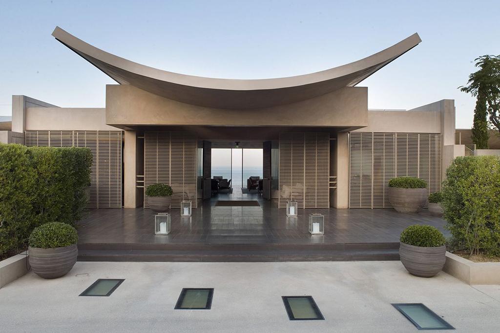 La-Reserve-Ramatuelle-stunning-natural-beauty-hotel