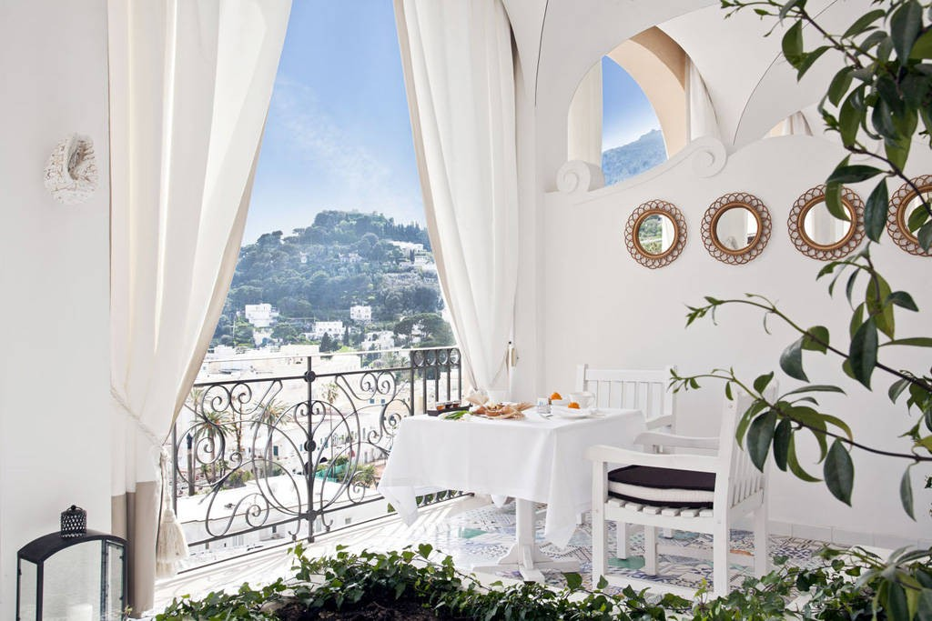 Luxury-hotels-in-Capri-Tiberio-Palace-6
