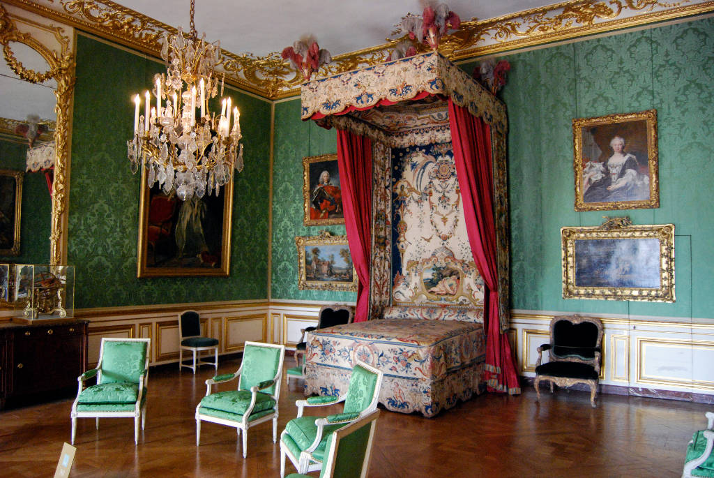 Rooms: Where To Stay In Versailles
