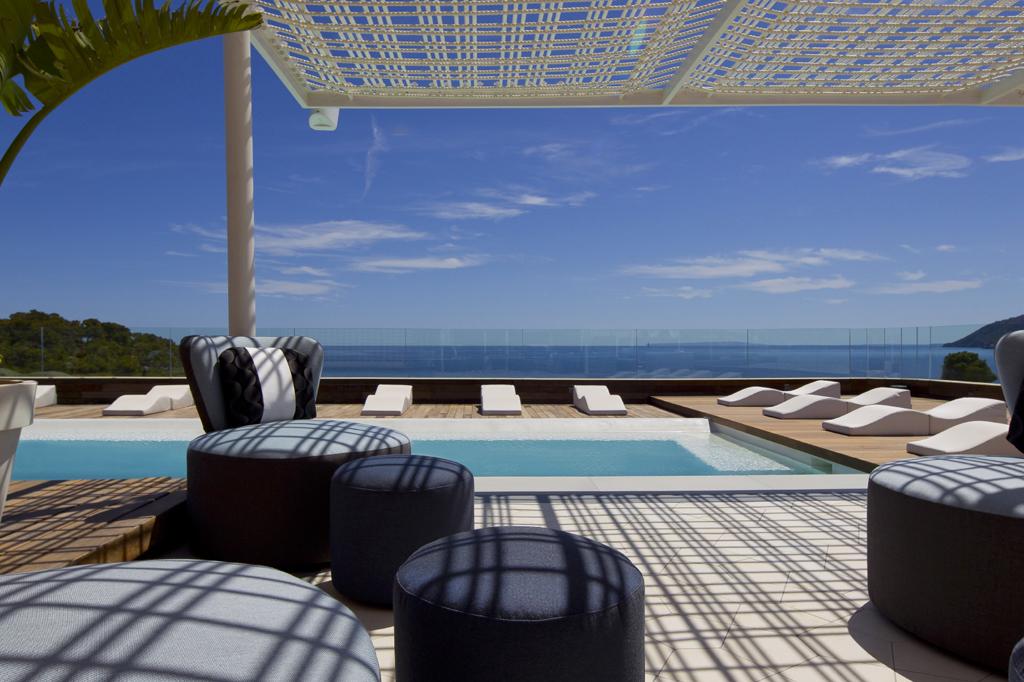 Luxury hotels in ibiza for Designer hotels mallorca