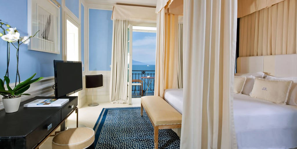 luxury-hotels-in-capri-jk-place-3