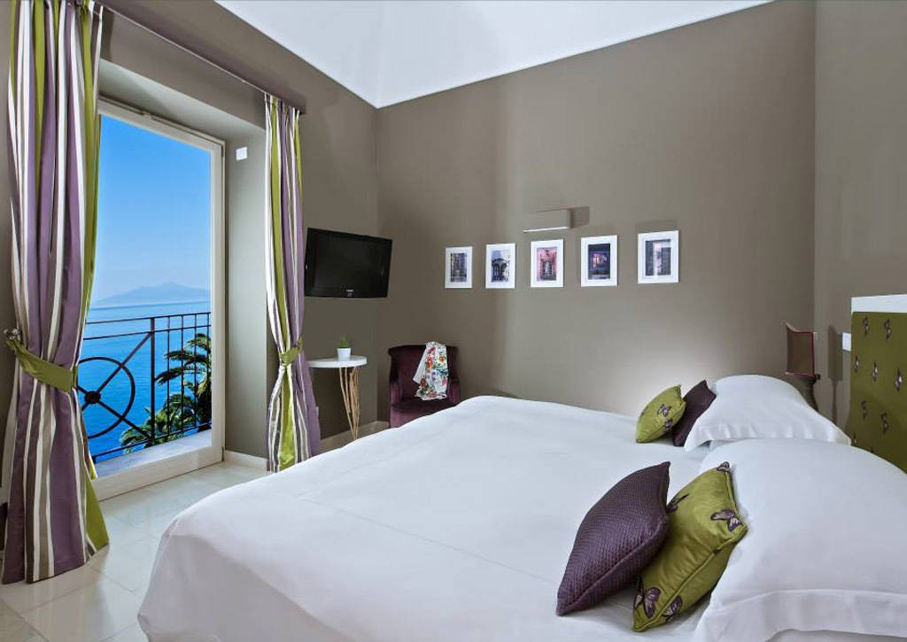 luxury-hotels-in-capri-vila-marina-3