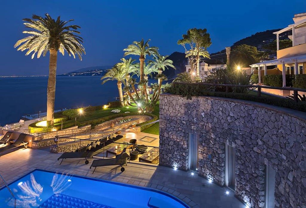 luxury-hotels-in-capri-vila-marina-4