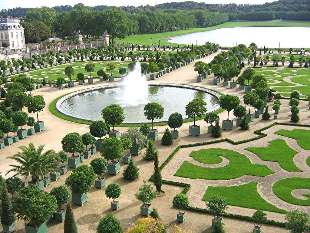 palace-of-versailles-gardens