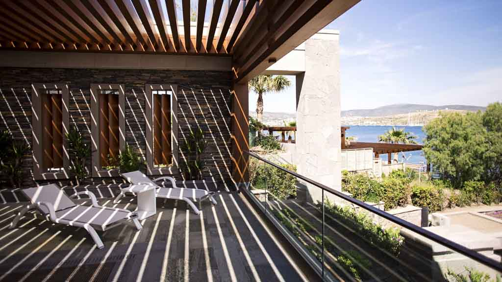 Caresse-a-Luxury-Collection-Resort-Spa-Bodrum-SPA-Jacuzzi-Relax-Terrace-1