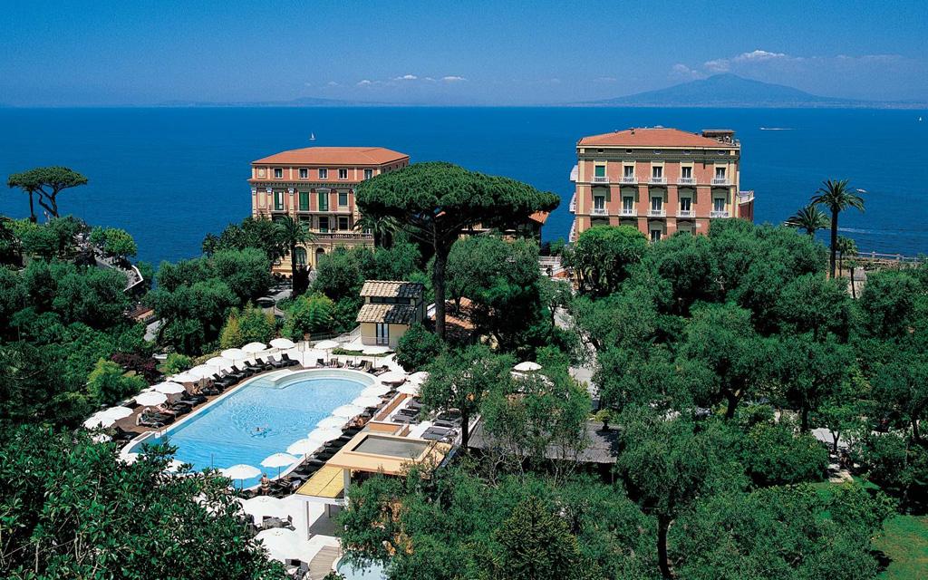 Best luxury hotels on amalfi coast for Hotel luxury amalfi
