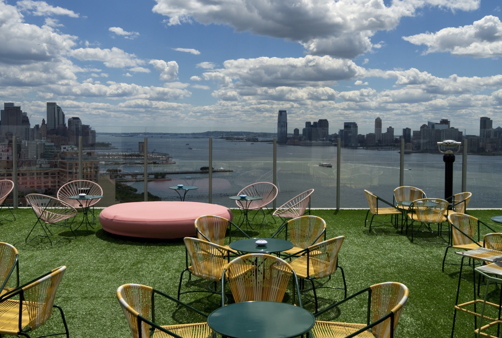 The-Standard-Le-Bain-Rooftop-Terrace