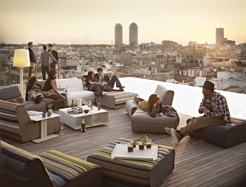 Grand hotel central a high culture hub in barcelona for Hotel the terrace