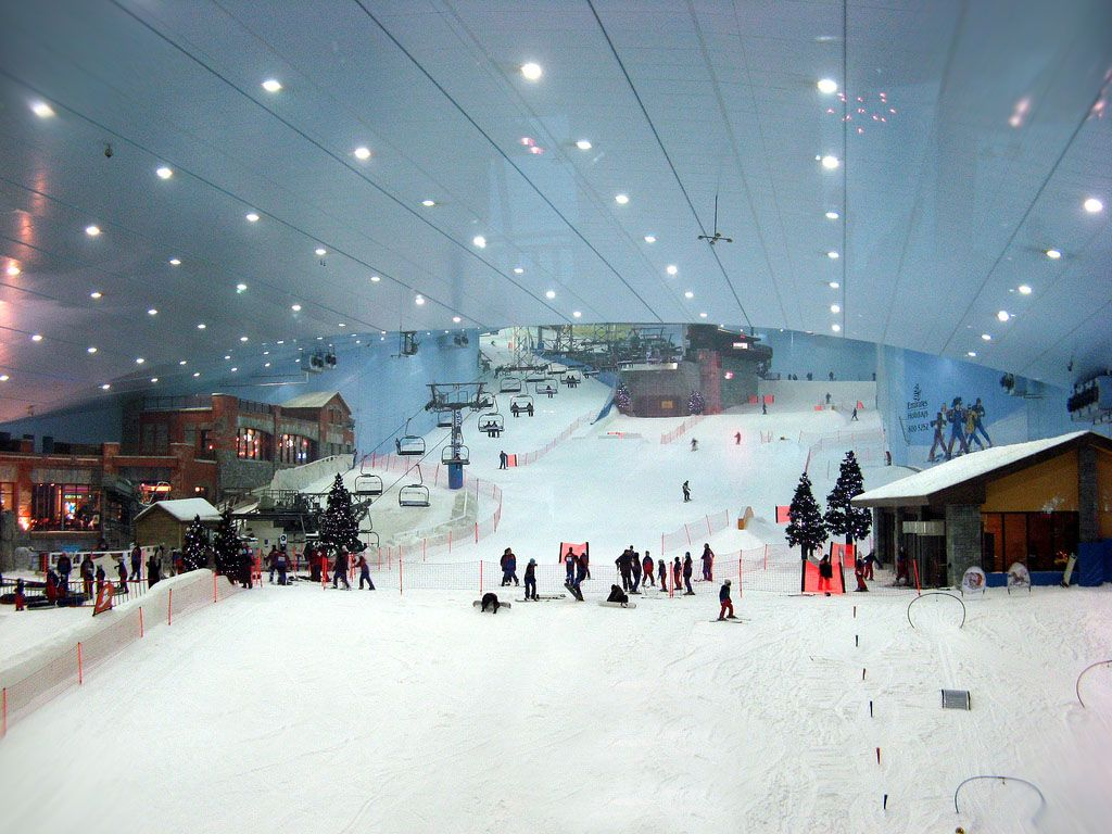 Dubai to build the largest indoor ski slope