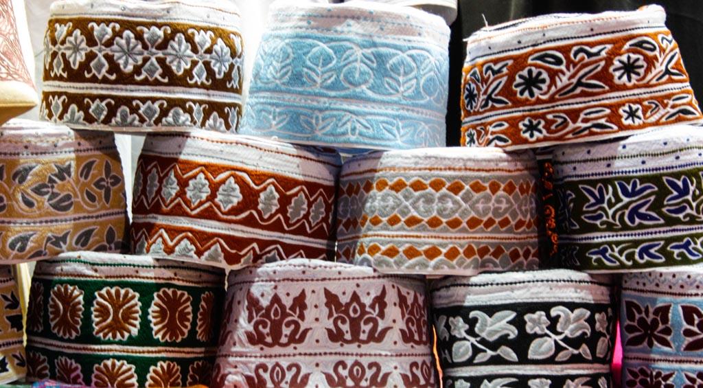 Muscat-souk-Omani-hats