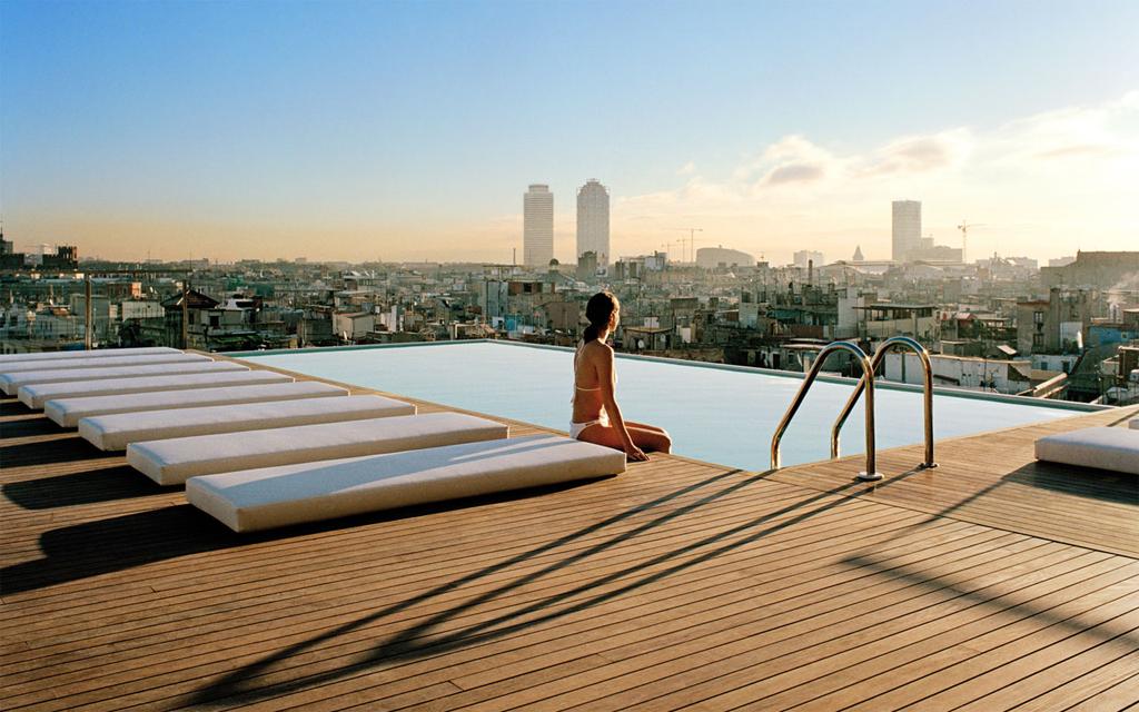 piscina-barcelona-gran-hotel-central-barcelona-hd