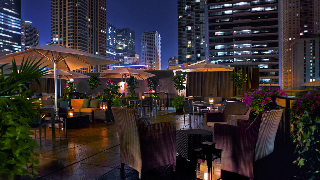 The gwen a luxury collection hotel opens in chicago for Top of the terrace restaurant