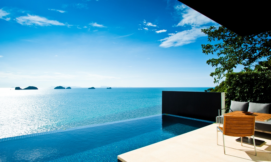 One-Bedroom-Pool-Villa-Infinity-Pool-and-Terrace