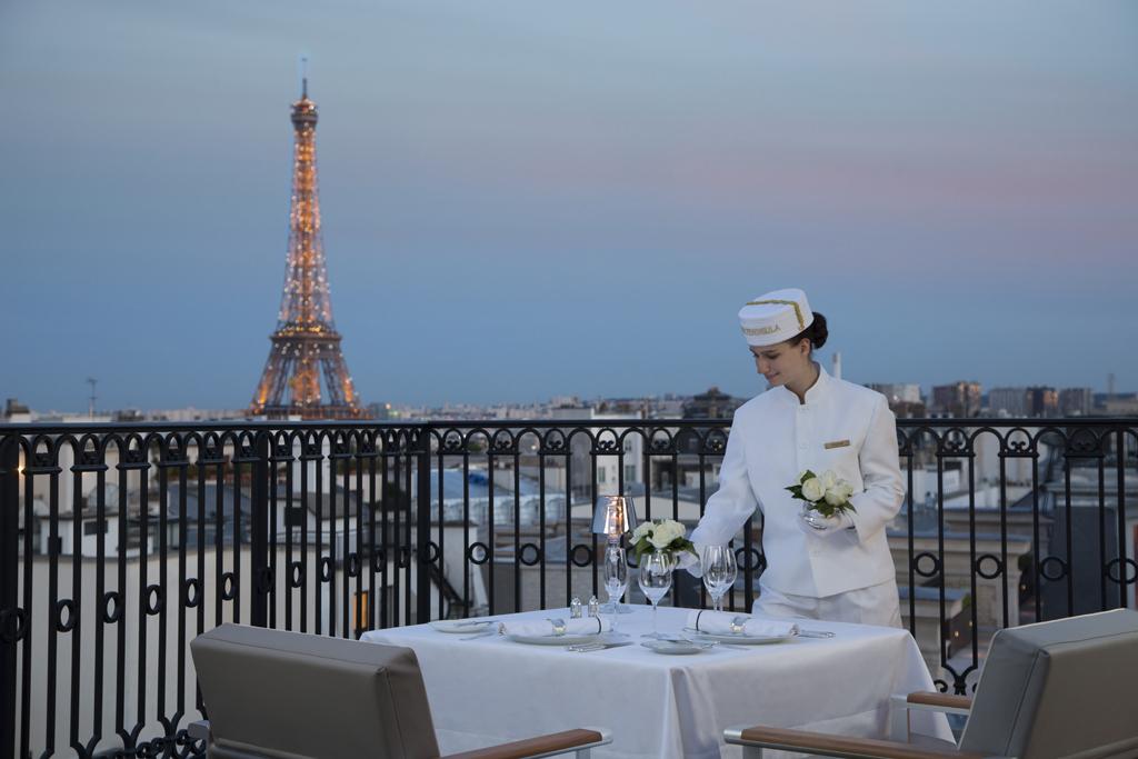 Peninsula-Paris-terrace