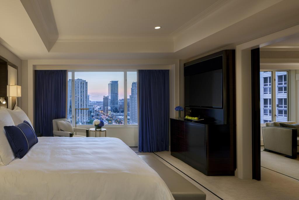 Premier Deluxe Suite Bedroom