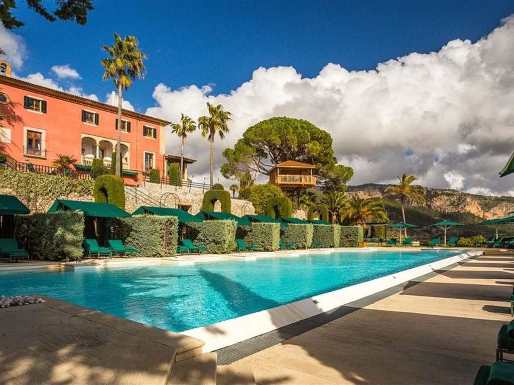 gran-hotel-son-net-galleryson-net-treehouse-and-pool